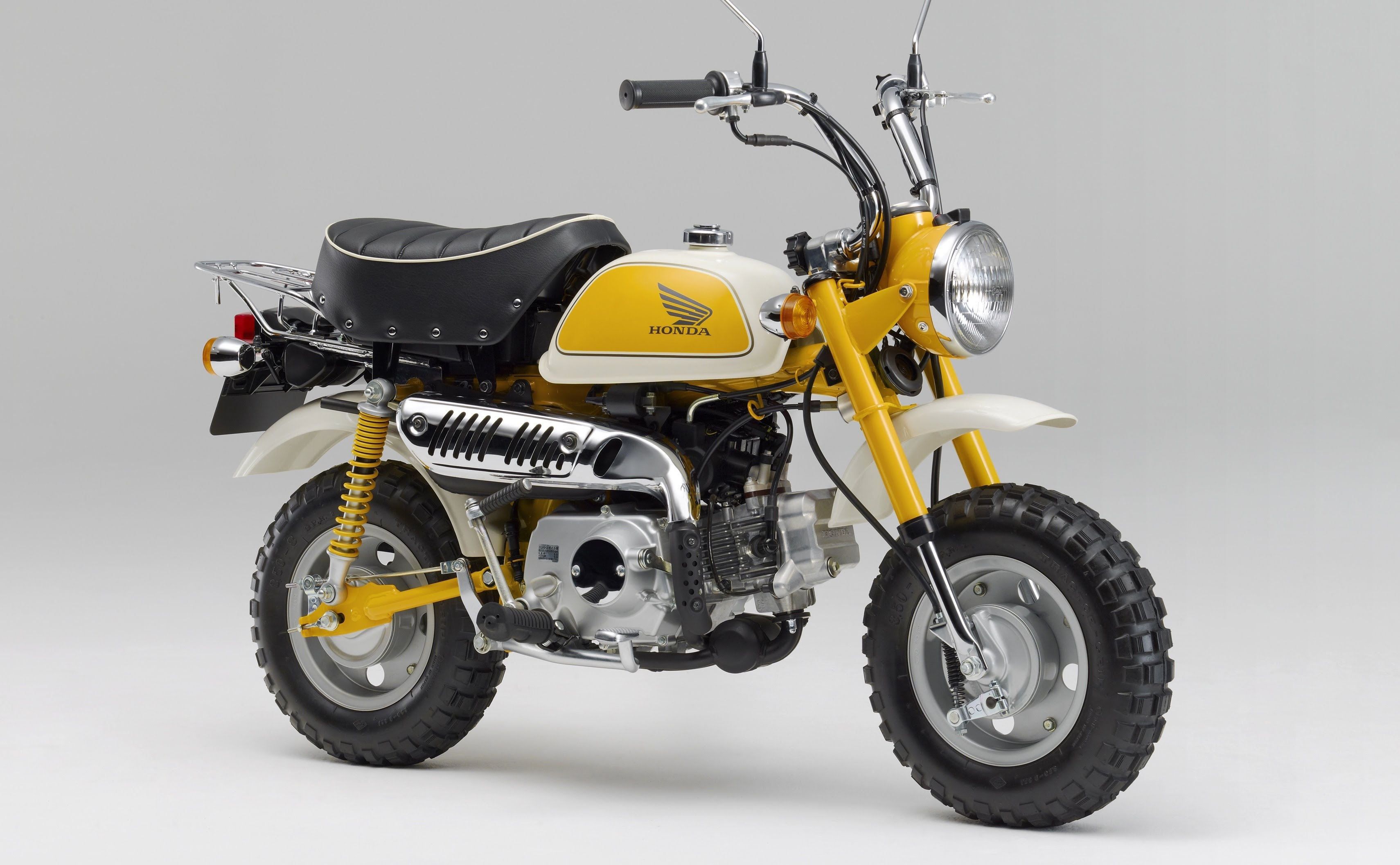 the evolution of the honda monkey bike honda ireland. Black Bedroom Furniture Sets. Home Design Ideas